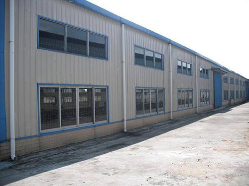 关于钢结构厂房施工技术